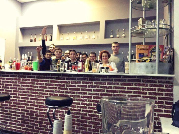 pict 705x529 - Школа барменов